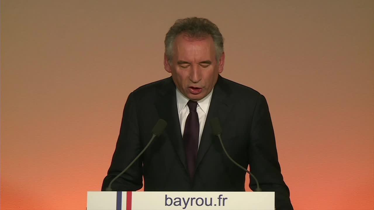 François Bayrou roule pour Emmanuel Macrond, mais sous conditions