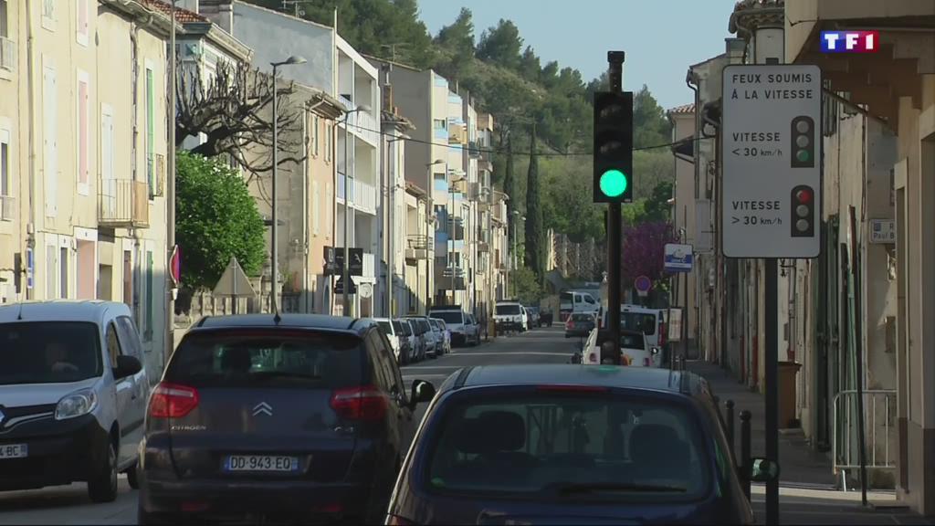 Sécurité routière : des feux de circulation qui font office de radar