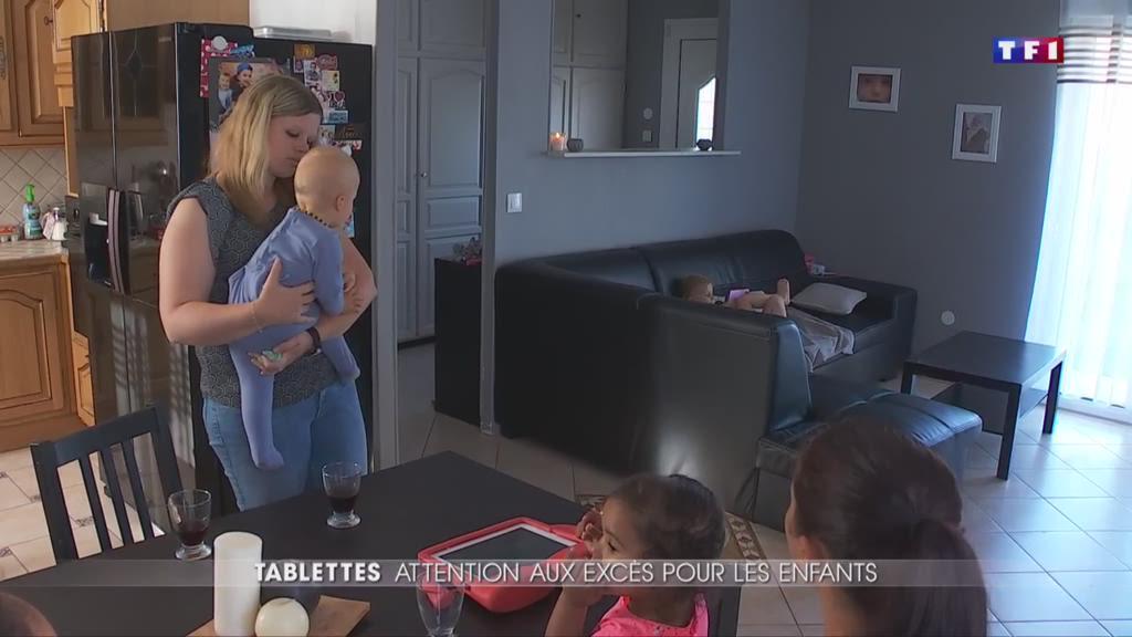 Des enfants accros aux tablettes de plus en plus jeunes