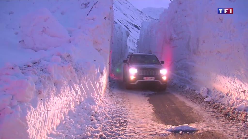 À Bonneval-sur-Arc, une route a été ensevelie sous 9 mètres de neige